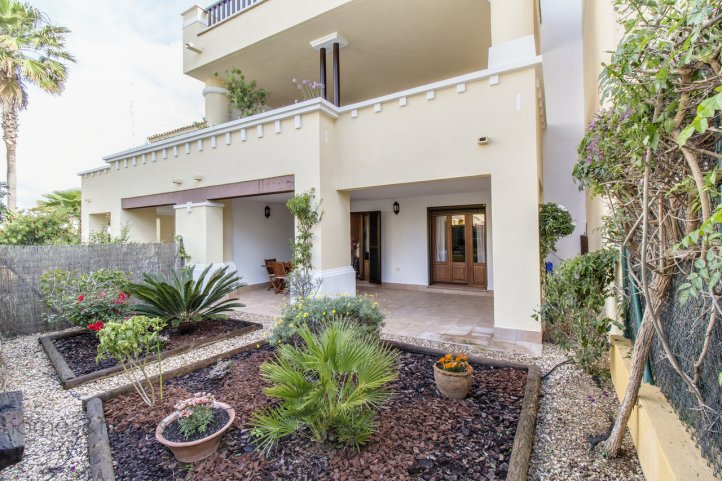 3 Zimmer Golf Appartement In Costa Esuri